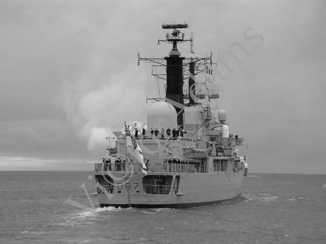 HMS Newcastle - Gun saluteA final salute to the River Tyne, where the ship was built.